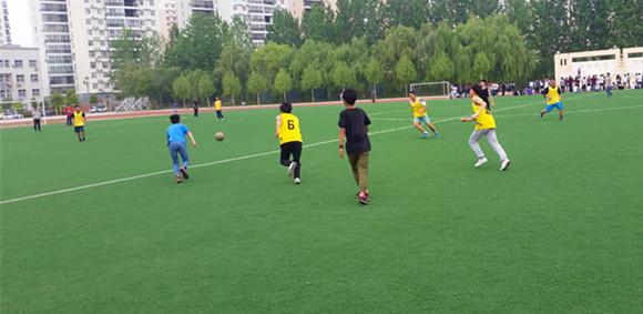 足球比赛第一场2.jpg