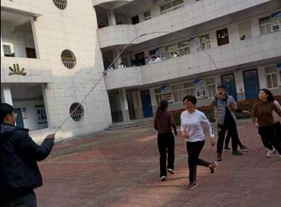 """我院女教工在学校""""庆 三·八""""跳绳比赛中喜获佳绩"""